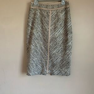 White House black market Pencil Skirt size 0 Tweed